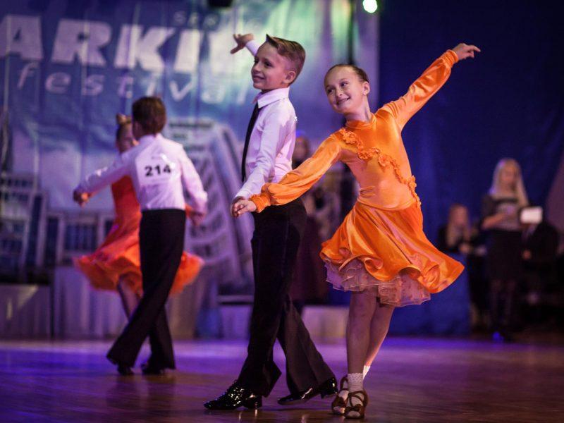 Почему важно заниматься танцами?