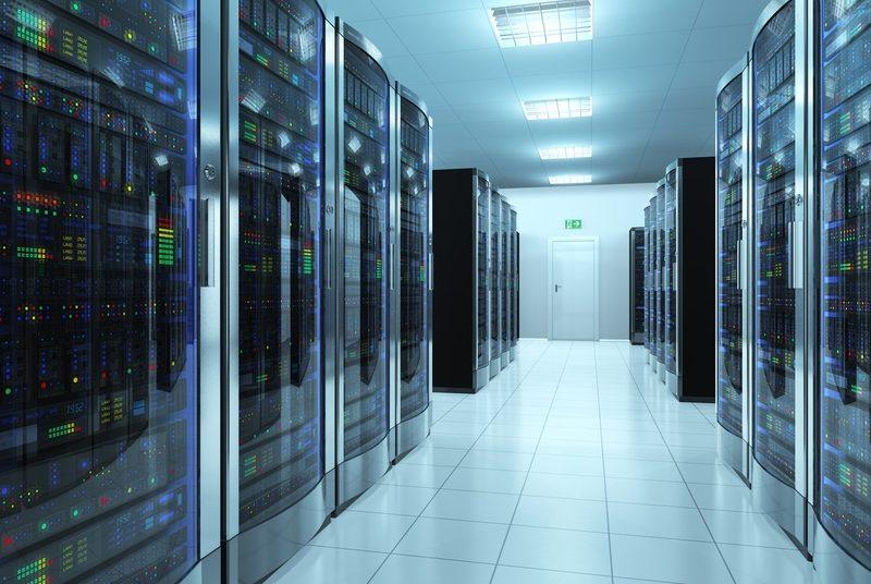 Чем сервер блейд отличается от обычной стоечной установки?